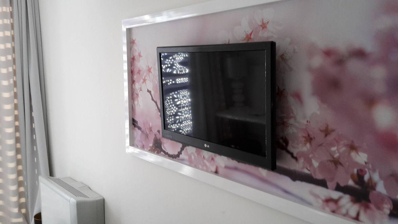 TV Flat im Bilderrahmen\