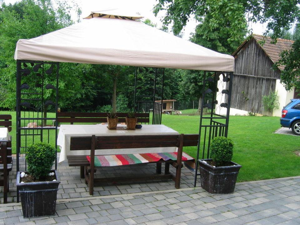 pavillon vor dem haus g stehaus brandl stein holidaycheck steiermark sterreich. Black Bedroom Furniture Sets. Home Design Ideas
