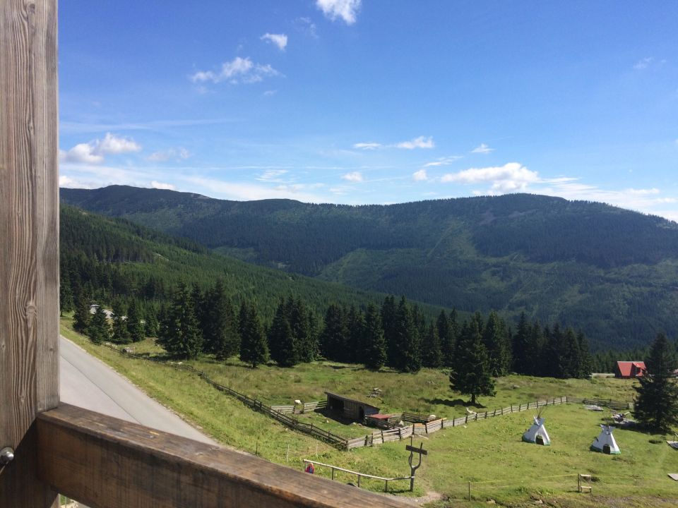 Ausblick vom Balkonzimmer Resort Sv. František - Erlebachova Bouda