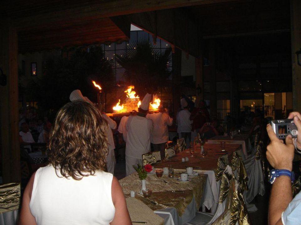 brennende Eistorte Grand Seker Hotel