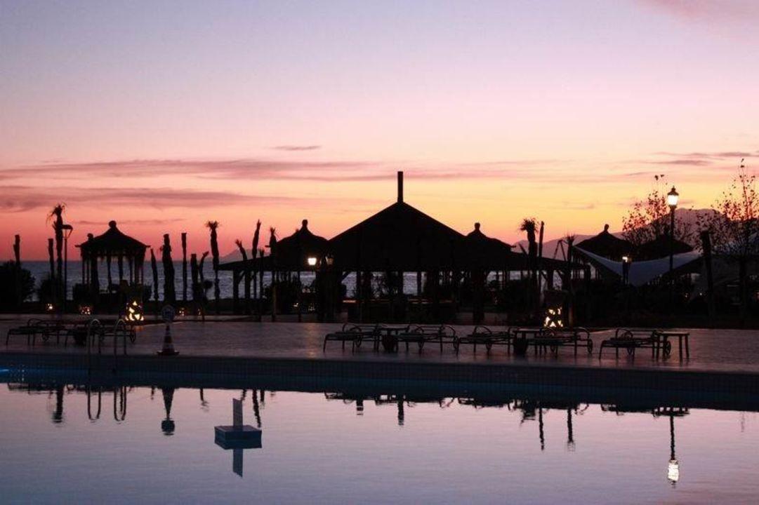 Pool bei Sonnenuntergang 3 Ela Quality Resort Belek