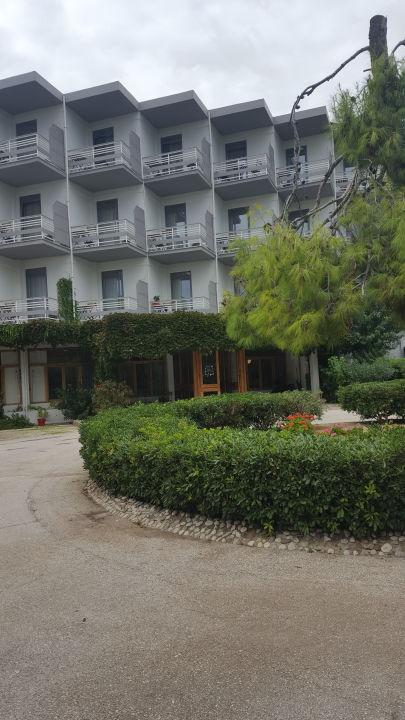 Außenansicht The Grove Seaside Hotel