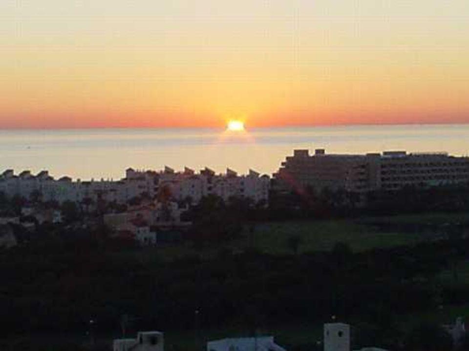 View by night from holiday rentals over Mediterranean Sea Ferienhaus Villa Bella Vista