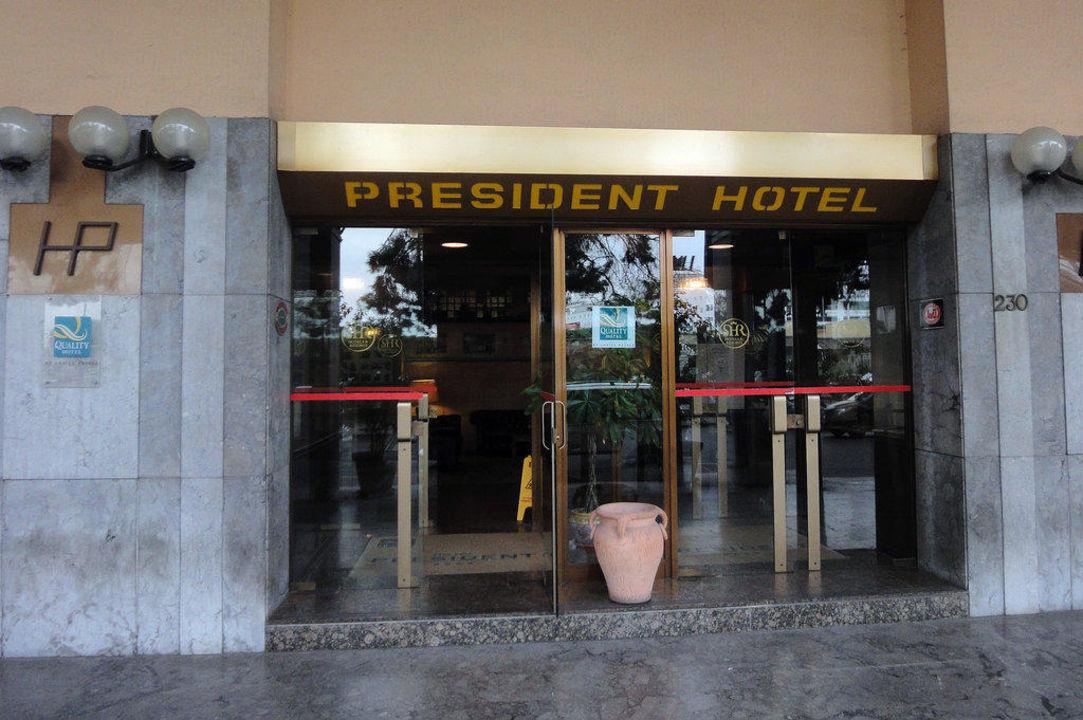 Hoteleingang Hotel ibis Styles Palermo
