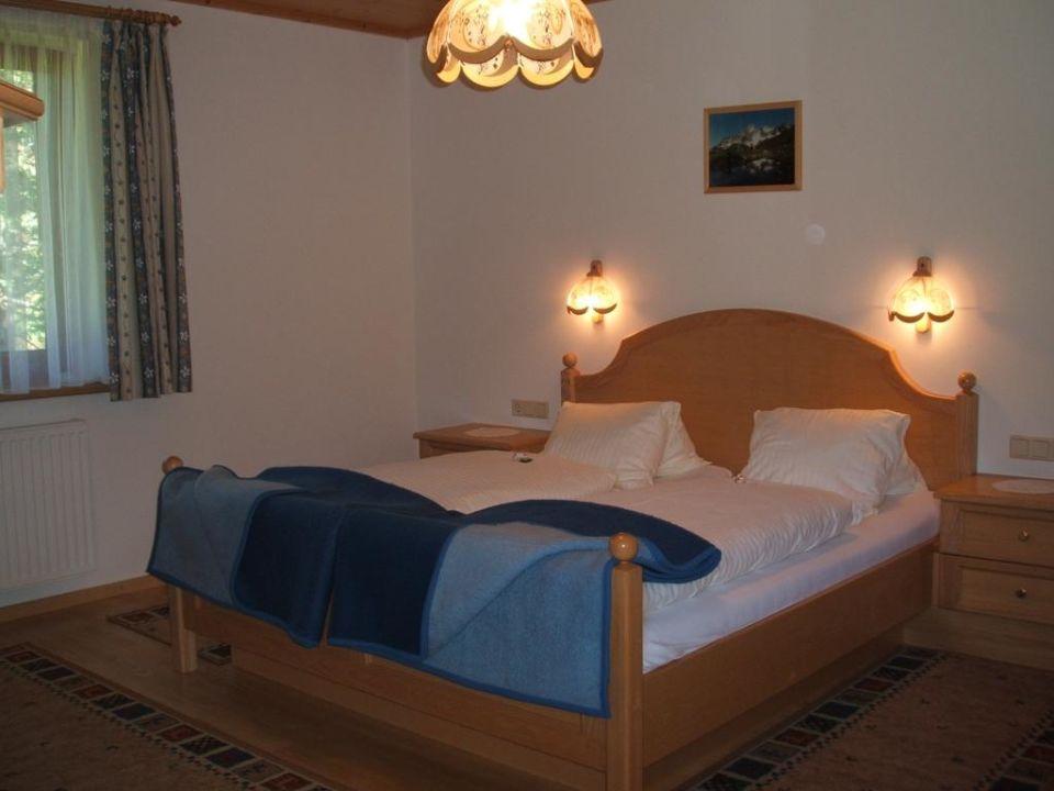 Schlaf gut - unser großes Schlafzimmer Ferienwohnung Mützengruß
