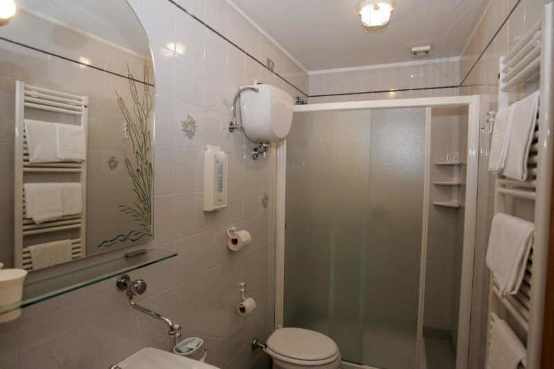 Bagno In Camera Piccolo : Camera matrimoniale con bagno primato picture of il piccolo golf