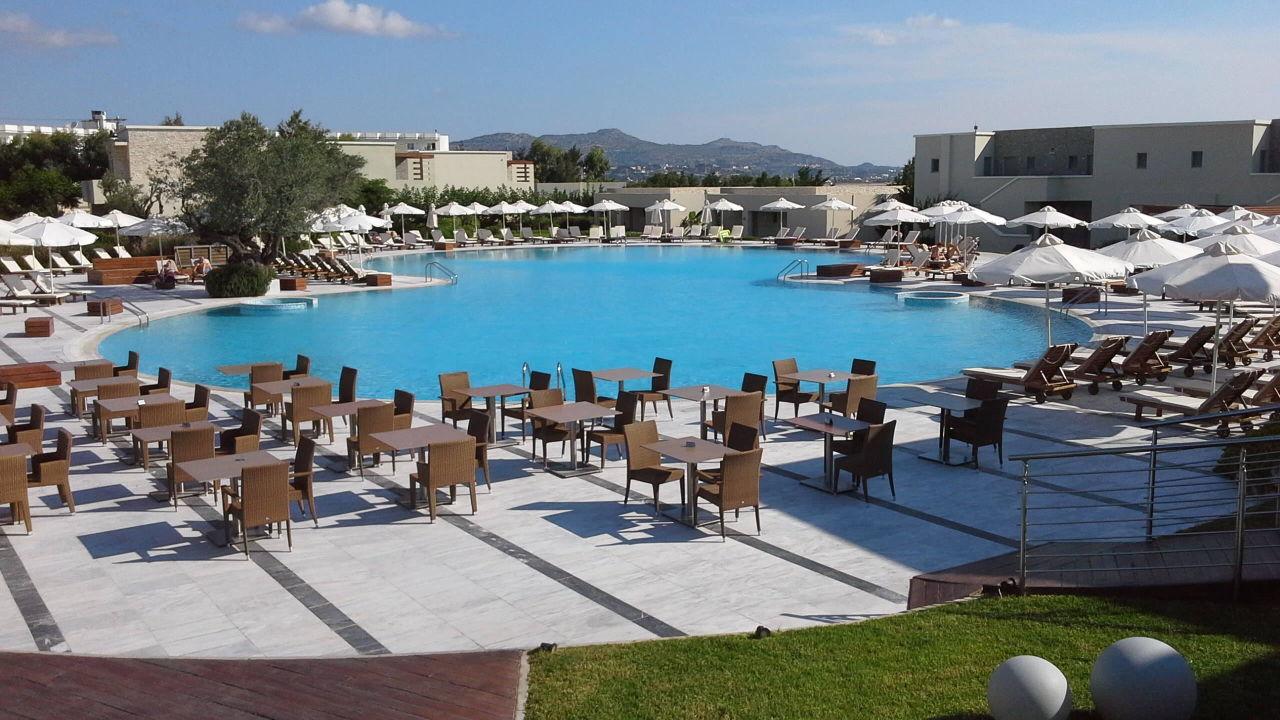 grosser pool sentido port royal villas spa kolymbia holidaycheck rhodos griechenland. Black Bedroom Furniture Sets. Home Design Ideas