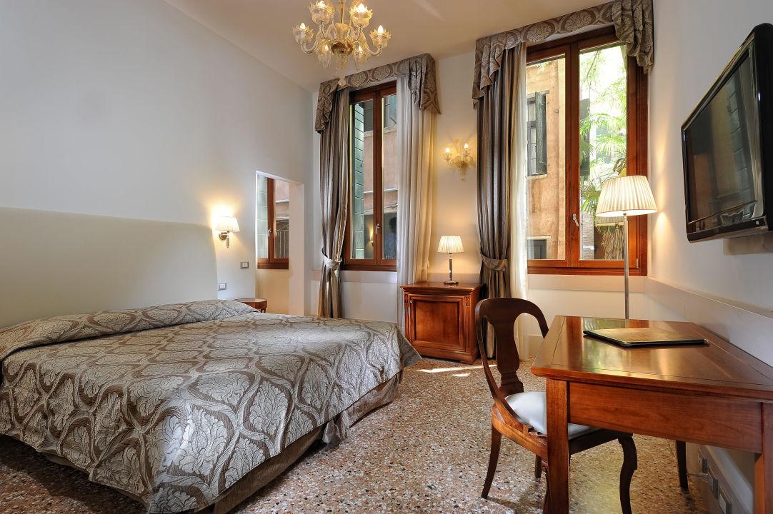 Superior room, free wifi, smart HD Led tv, minibar Hotel Palazzo Vitturi