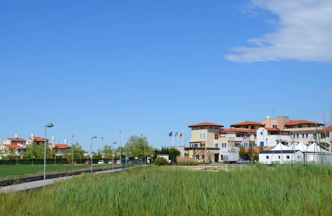 Anlage von außen  Villaggio Amare