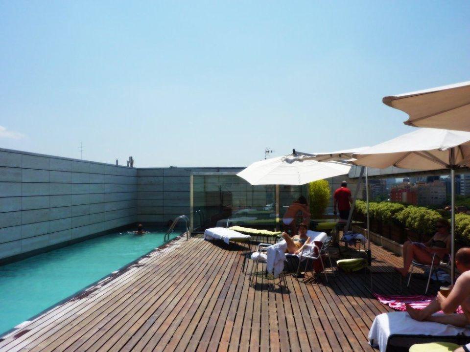 dach pool hotel nh collection barcelona constanza barcelona holidaycheck katalonien. Black Bedroom Furniture Sets. Home Design Ideas