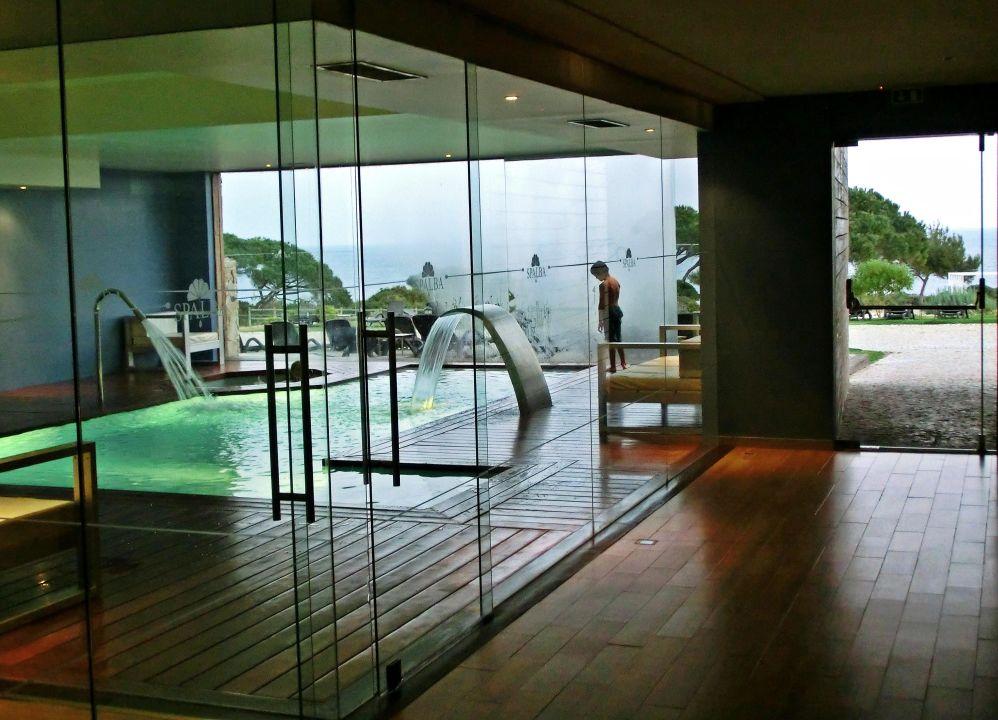 bild k che mit esstisch zu hotel suites alba resort spa in carvoeiro. Black Bedroom Furniture Sets. Home Design Ideas