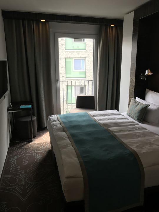 zimmer motel one hamburg am michel hamburg holidaycheck hamburg deutschland. Black Bedroom Furniture Sets. Home Design Ideas