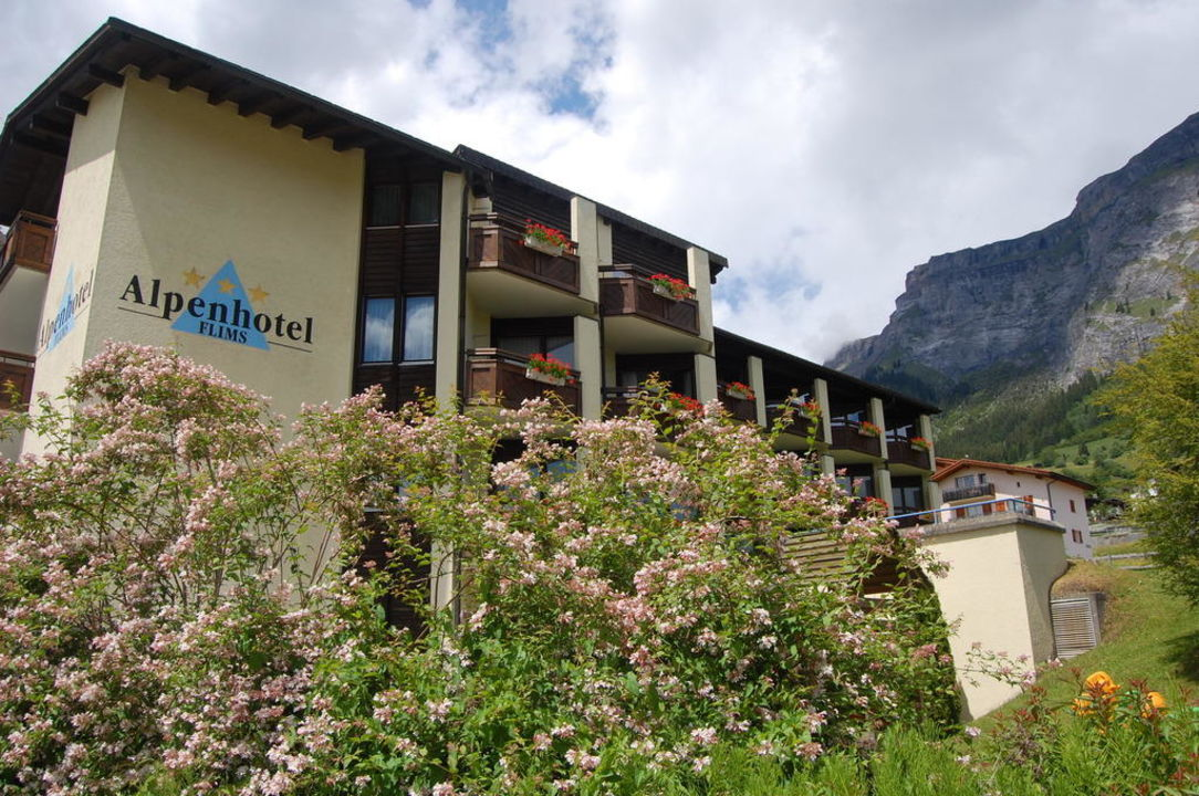 Aussenansicht Alpenhotel Flims