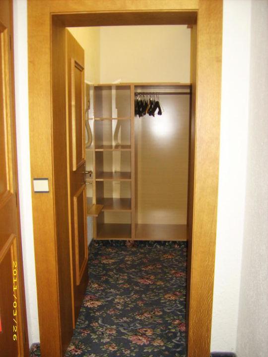 M Bel F R Ankleidezimmer bild quot ankleidezimmer quot zu hotel karla in mauterndorf