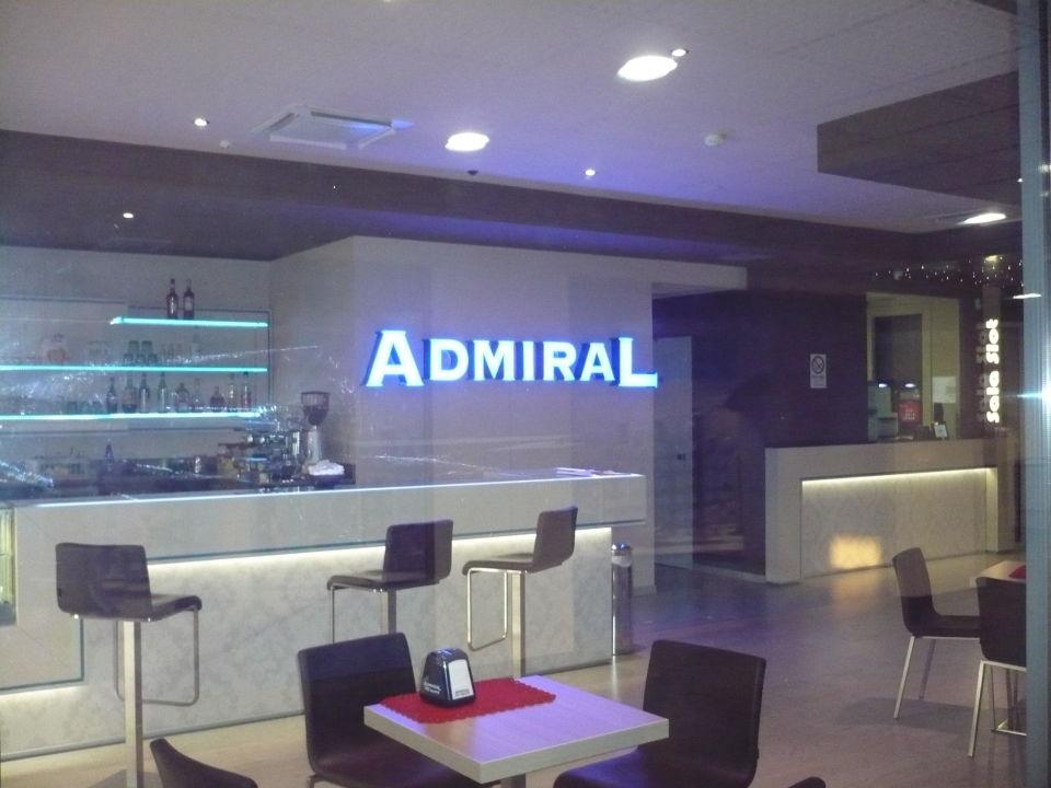 Admiral Bar\