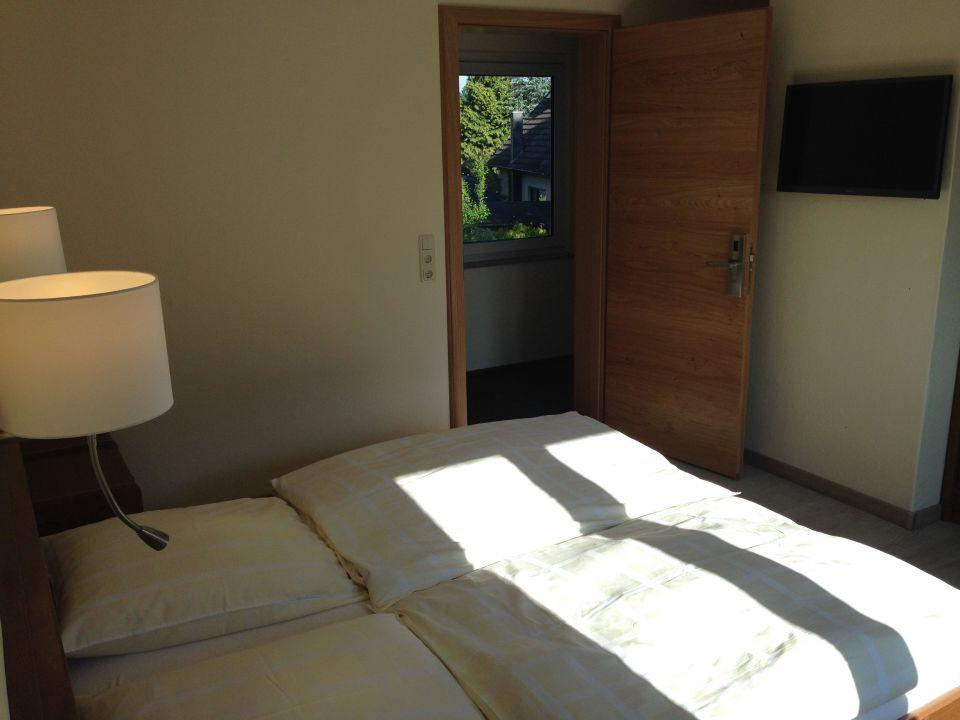 Zimmer 103\