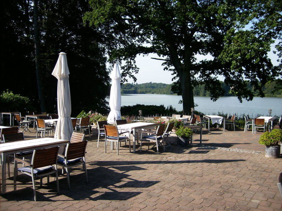 terrasse am see hotel seehof am l tjensee l tjensee holidaycheck schleswig holstein. Black Bedroom Furniture Sets. Home Design Ideas