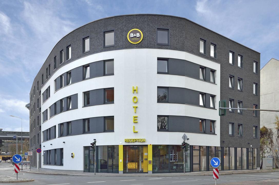 Außenansicht B&B Hotel Erfurt