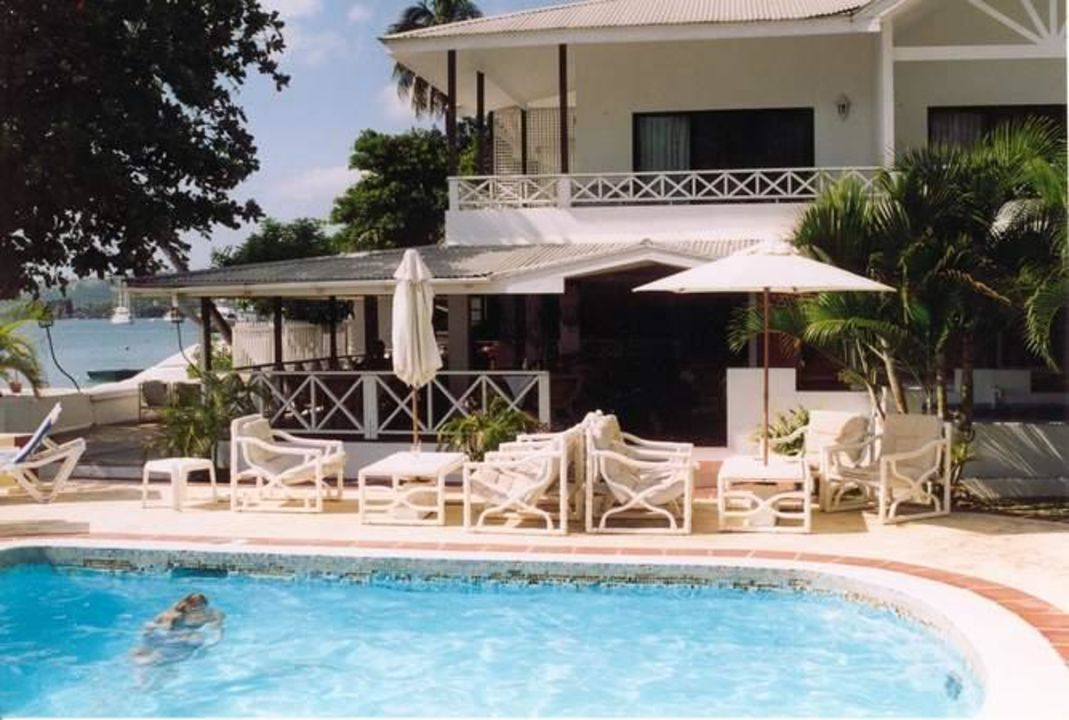 Swimming Pool und Restaurant - Mariners Hotel Mariners Hotel