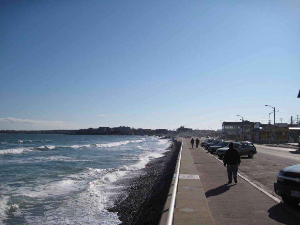 Promenade vor dem Hotel Nantasket Beach Resort