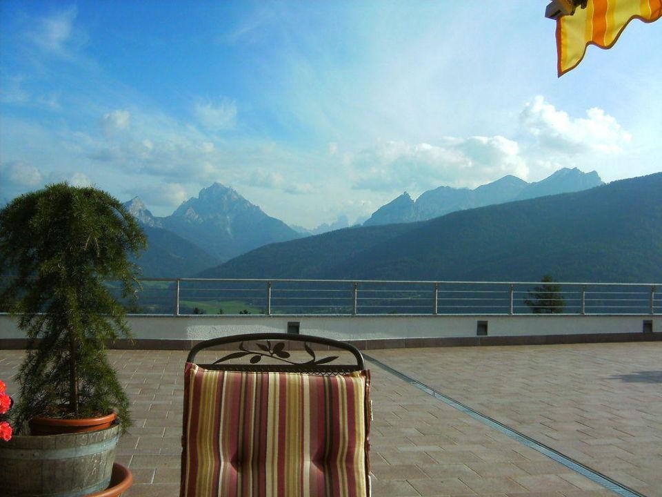 Ausblick von der Terrasse Hotel Alpen Tesitin