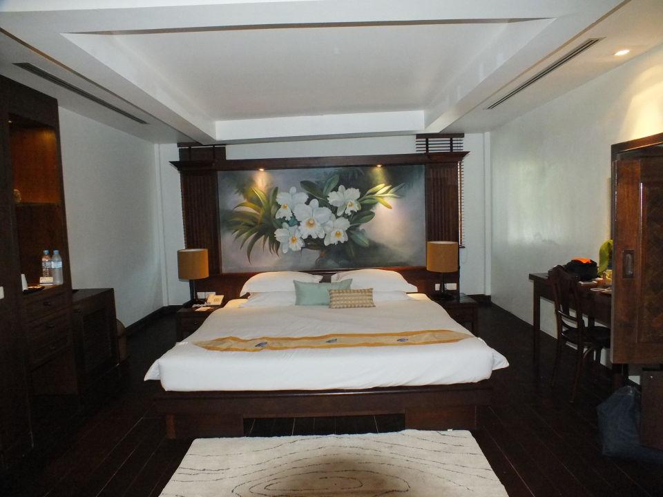 Zimmer ohne Fenster (hinter der Bett- Wand)\