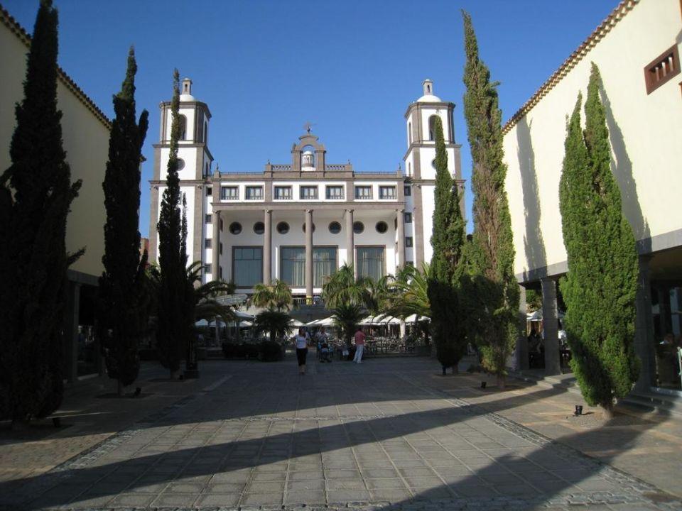 Blick zur Empfangshalle (Rezeption) Lopesan Villa del Conde Resort & Spa