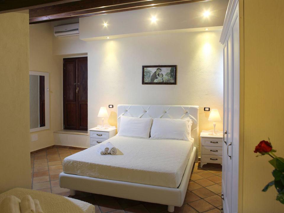 Camera matrimoniale + letto singolo deluxe\