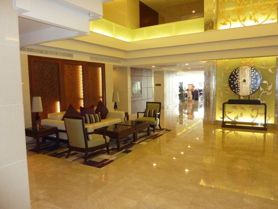 Aufenthaltsbereich vor Restaurant Hotel Centre Point Silom