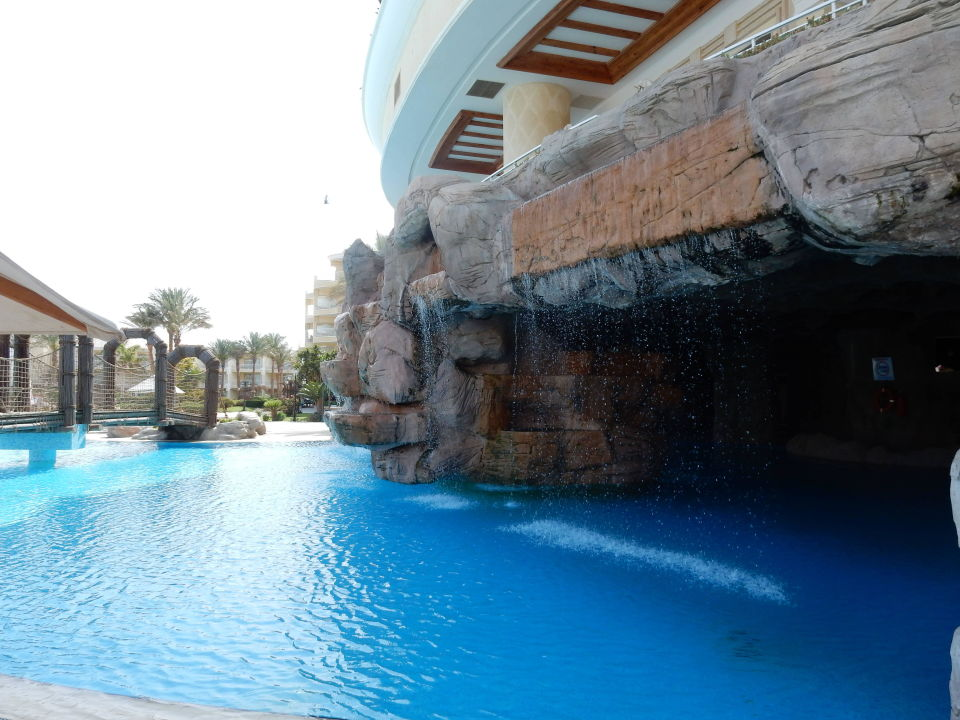 Indoor pool grotte  Künstliche Grotte im Pool