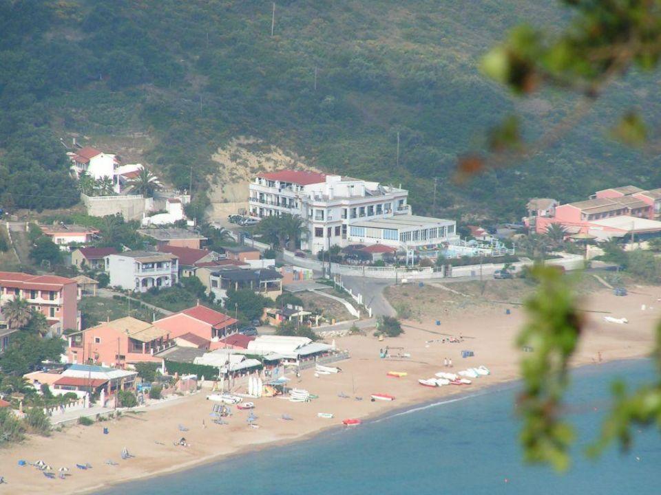 ausblick von der taverne dionysos in afionas hotel belle helene beach agios georgios pagi. Black Bedroom Furniture Sets. Home Design Ideas