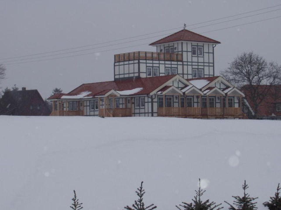 Haus im Schnee. Resort Gutshof Sparow