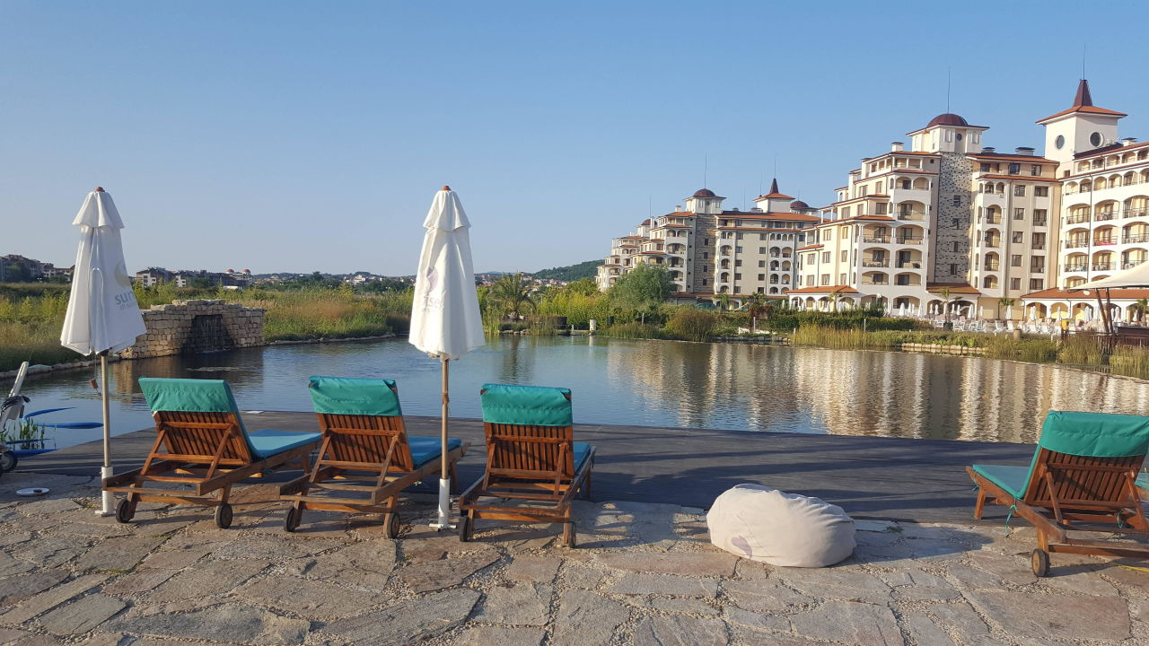 naturschwimmteich sunrise all suites resort obzor. Black Bedroom Furniture Sets. Home Design Ideas