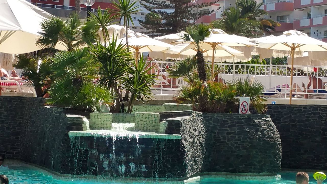 Wasserfall Am Pool Seaside Hotel Sandy Beach
