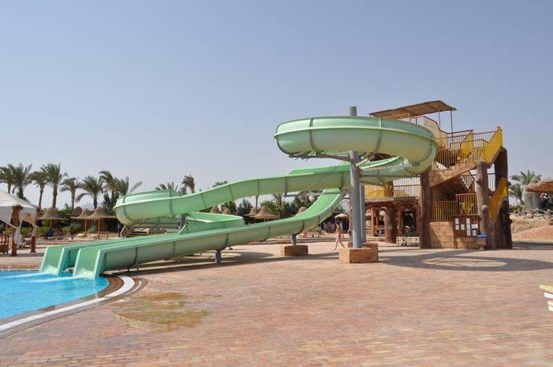 Jadna z wielu zjeżdżalni Parrotel Aqua Park Resort