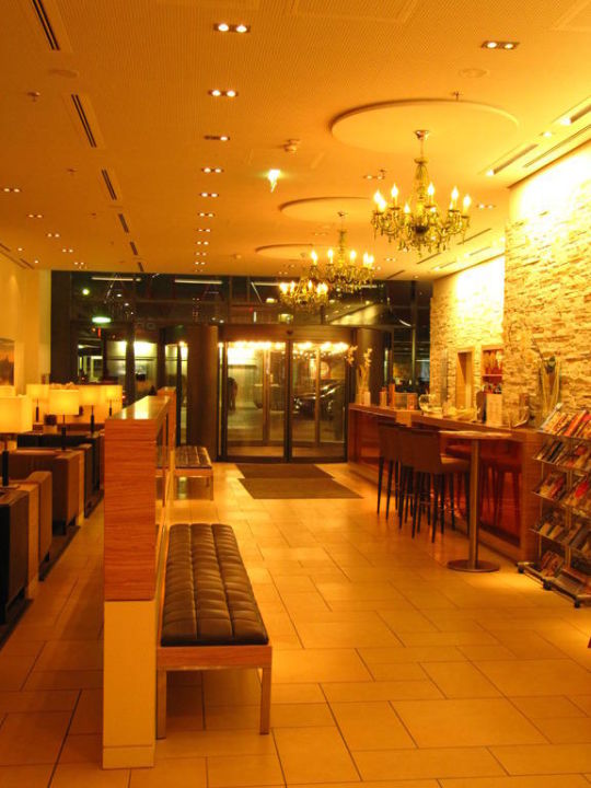 Lobby H+ Hotel Salzburg