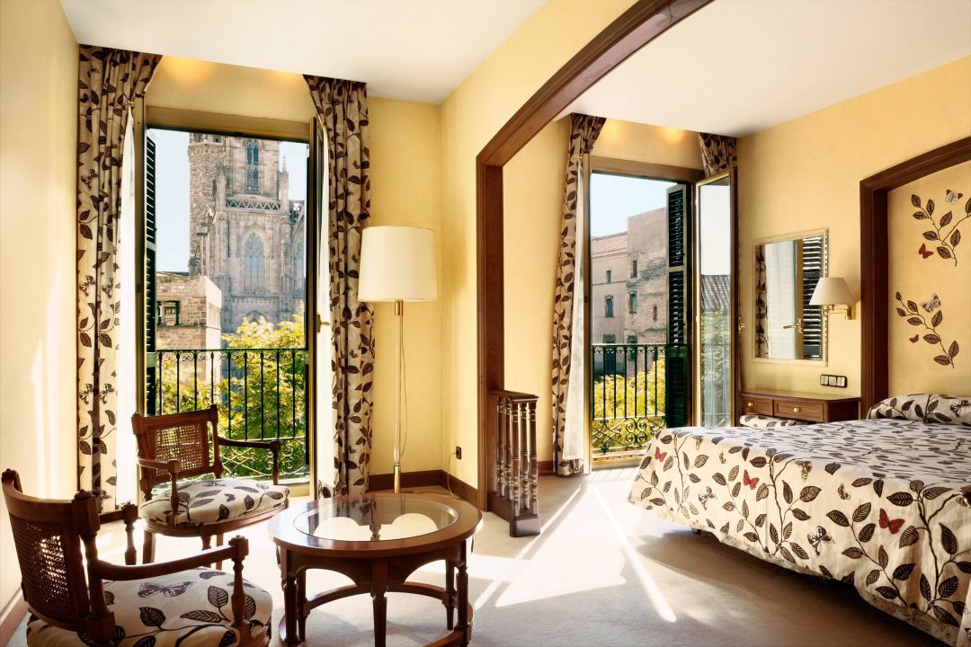 Superior double room with Cathedral view Colon