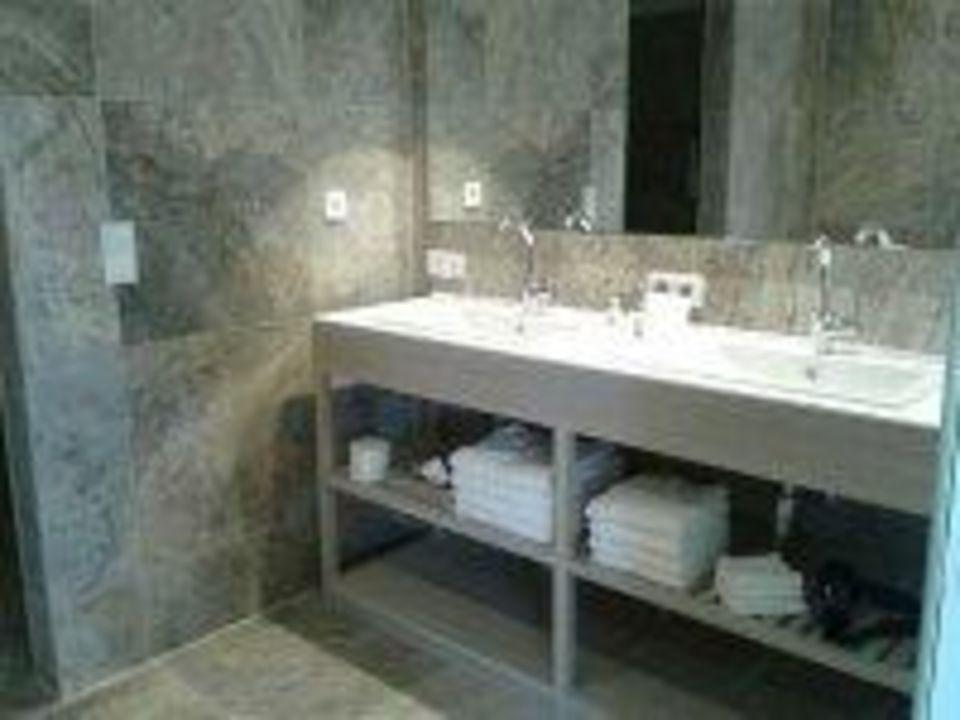 doppelwaschbecken hotel allg u sonne in oberstaufen holidaycheck bayern deutschland. Black Bedroom Furniture Sets. Home Design Ideas