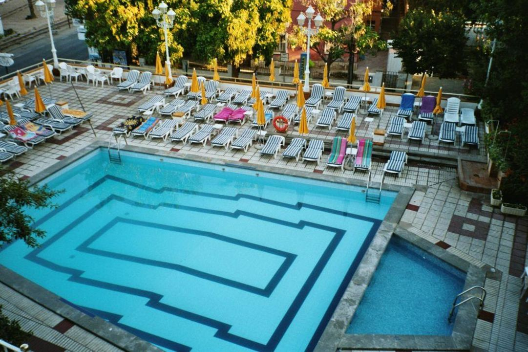 Der Pool vom Hotel - klein aber fein Hotel Eden