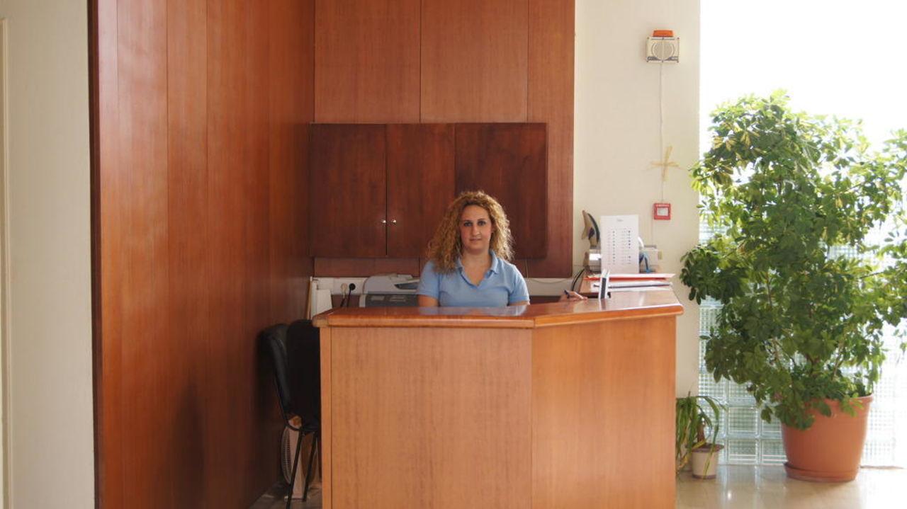 Recepcjonistka  Cretan Filoxenia Beach Hotel  (geschlossen)