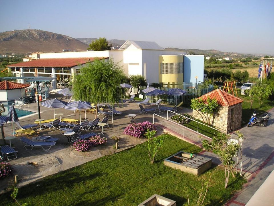 Poolanlage Hotel Ilios K ilios Hotel & Farming