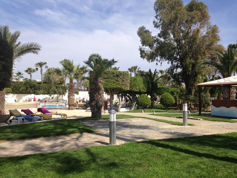 Gepflegte Anlage Elias Beach Hotel