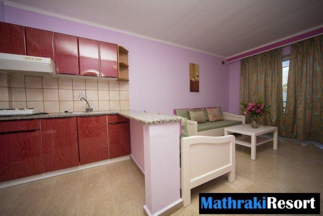 2 room apartment kitchen Mathraki Resort