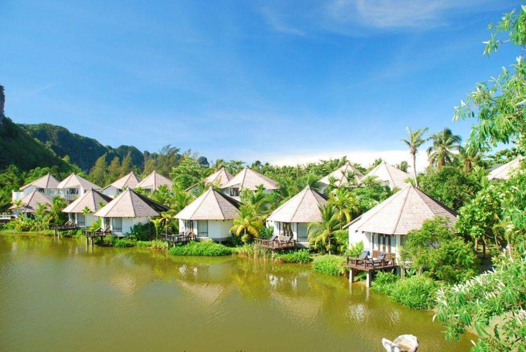 Blick von der Frühstücksterrasse auf die Anlage Peace Laguna Resort