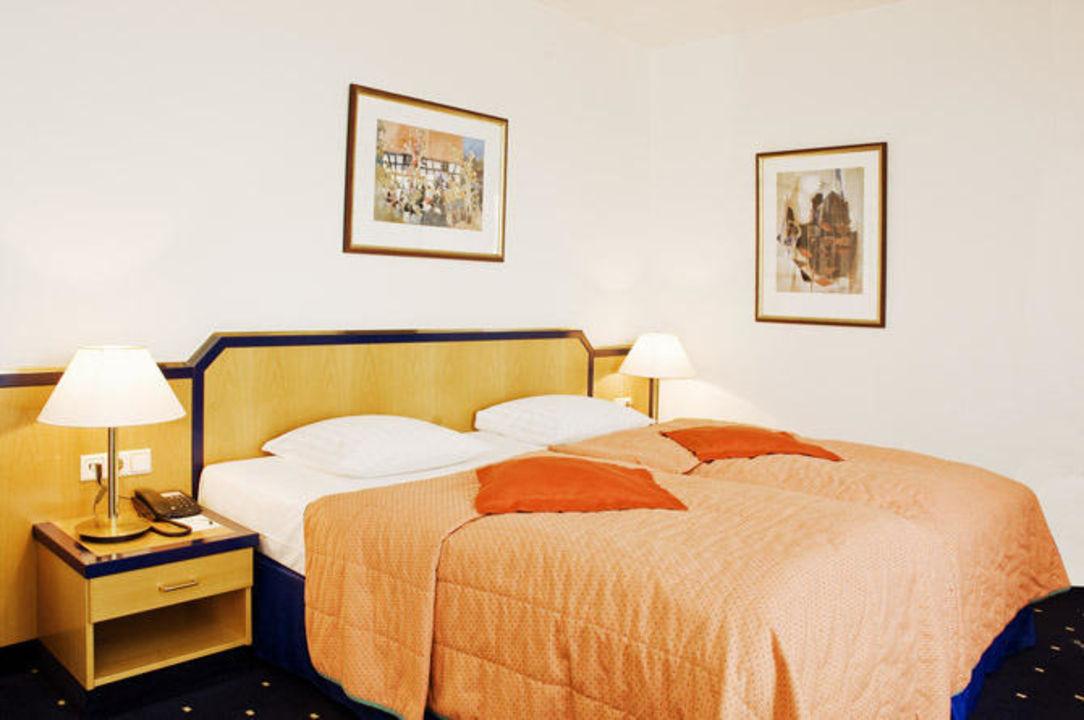 Superpior Zimmer  Hotel Holiday Inn Hamburg