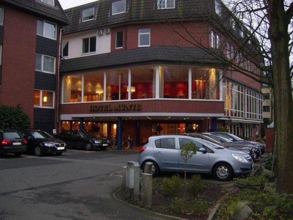 Eingangsbereich Hotel Munte von außen Ringhotel Munte am Stadtwald