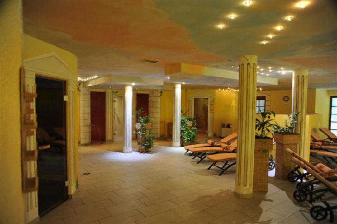 saunalandschaft im hotel auerhahn wellnesshotel auerhahn schluchsee holidaycheck baden. Black Bedroom Furniture Sets. Home Design Ideas