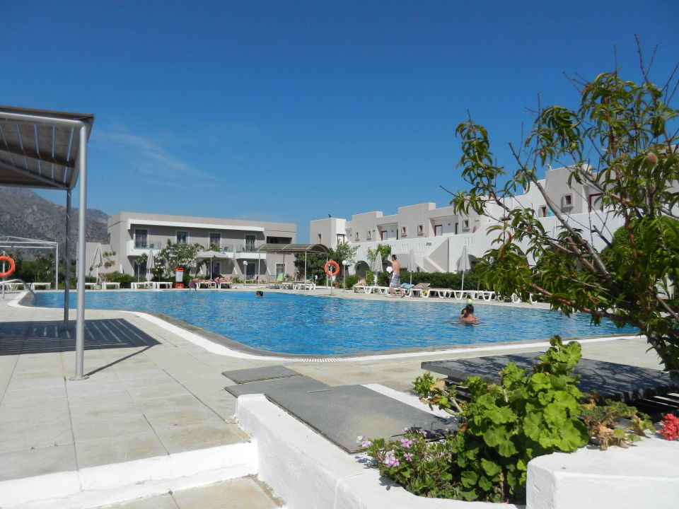 Schöner suberer Pool Sunny View Hotel