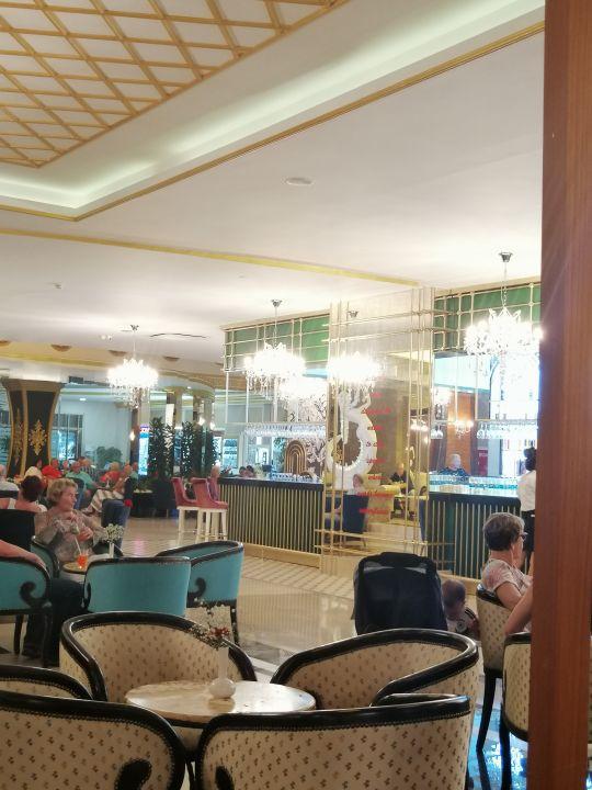 Lobby Side Crown Charm Palace