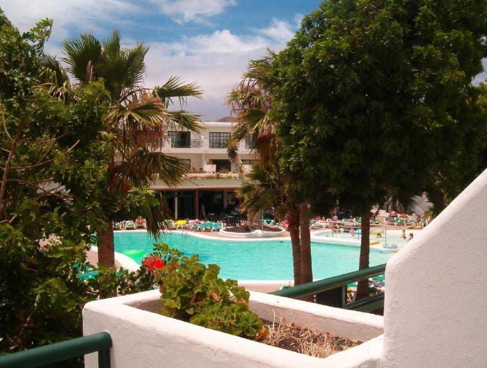 Blick vom Balkon Appartement-Hotel Flora Lanzarote Hotel THB Flora